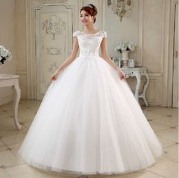 Wholesale Flower Strap Wedding Dresses - Tulle Ball Gown Wedding Dress With Handmade Flower and Pearl 2018 White Ivory Fashion Scoop Neck Bridal Gowns Lace Up