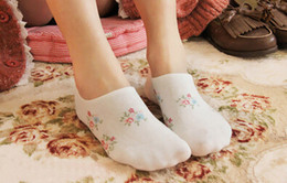 Wholesale Damask Print - Wholesale-New female shallow mouth stealth ship socks women cotton sock Dot damask fashion chaussette
