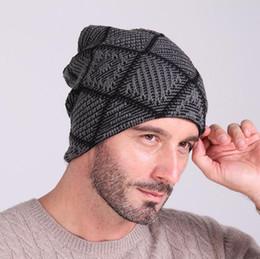 Berretto invernale lavorato a maglia da uomo in lana lavorata a crochet da uomini di abito da calcio fornitori