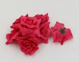 2019 rose rosse fiore artificiale Vendita calda! 500pcs fiori artificiali Rose rosse Hemming Rose Flower Head Wedding che decora i fiori 5cm rose rosse fiore artificiale economici