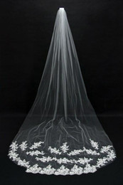 Wholesale Cheap Embroidered Stockings - Cheap Romantic Hot Real Image Wedding Veils Ivory Lace Applique Tulle Bridal Veils Long Chapel Train In Stock Bridal Accessories CPA067