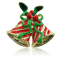 Alfileres de cinta verde online-Venta al por mayor Broches Pins Fashion 2 Color Double Bells Mix Green Ribbon Brooches For Men Christmas Decoration Jewelry