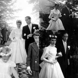 robe à thé audrey Promotion Audrey Hepburn Robes de Mariée à Manches Longues Vintage des Années 1950 Thé-longueur Haute Col de Jardin Princesse Robe de Mariée Pas Cher Personnaliser Faire