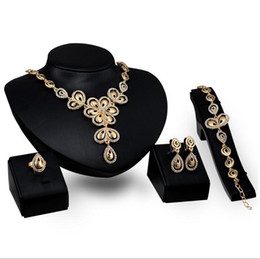 Wholesale Christmas Gift Set Ideas - Gold jewelry family of four large butterfly bridal wedding jewelry lady banquet jewelry gift ideas