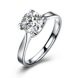 2019 ct princesa corte anel de diamante ATACADO 0.8 CT PRINCESS CUT SIMULADO DIAMOND STERLING Sólido 925 PRATA DE ENVOLVIMENTO ANEL DE JÓIAS ct princesa corte anel de diamante barato