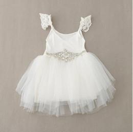 Vestido branco cinto rosa on-line-A mola nova e a menina do verão vestem vestidos brancos e cor-de-rosa do algodão com a roupa das crianças dos vestidos do laço da correia do diamante
