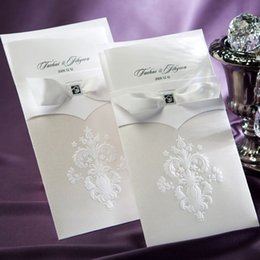 Wholesale Invitation Party Handmade - European Vintage Flor-de-lis Wedding Invitations Cards White Flower Pattern Wedding Cards With Butterfly Ribbon Handmade free shipping