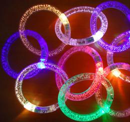 Светодиодный браслет LED разноцветный акриловый браслет Рождество Led Rave toys Рождество реквизит Светящиеся игрушки оптом F1025 от
