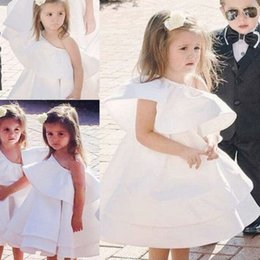Wholesale Cute Gowns For Prom - Cute Mini Flower Girl Dresses For Wedding One Shoulder White Tiered Girls Pageant Gowns Cheap Baby Knee Length Prom Party Dress