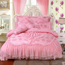 Wholesale Duvet Cover Princess - Luxurious Red Pink bedding sets Fashion wedding bedding set,Silk Satin Embroidery Home Textile romantic rose duvet cover,princess lace sheet