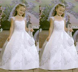 Wholesale Short Lace Dresses For Juniors - Ball Gown Flower Girls Dresses For Weddings Cap Sleeves Appliques Lace Satin Floor Length White Junior Bridesmaid Dresses Little Girls Dress