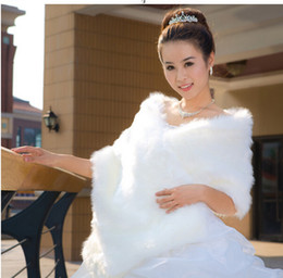 Wholesale Winter Wedding Dress Faux Fur - Elegant Wedding Bridal Wraps And Shawls Winter Party Dresses Warm Wedding Accessories White Red Faux Fur Bolero Women