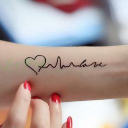 Etiqueta engomada del tatuaje temporal al por mayor-impermeable en las letras del cuerpo Amor tatuaje latido del corazón ola Transferencia de agua Flash falso tatuaje para mujeres niña desde fabricantes