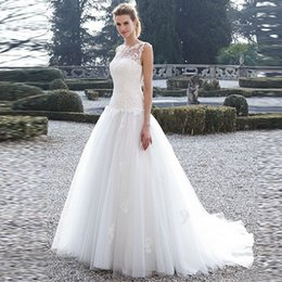 Wholesale Inexpensive Ball Gown Dresses - 2016 Beautiful Style Tulle Scoop Neck Sleeveless Appliques Ball Gown Wedding Dresses Inexpensive Long Bridal Wedding Dresses