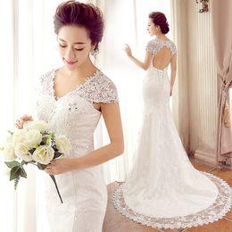 Canada Nouvelle dentelle tache sirène capuchon manches v-cou robe de mariage dos nu tribunal train 2015 robe de mariée romantique Offre