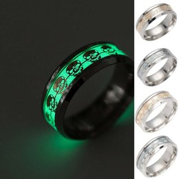 Wholesale silver skull jewelry wholesale - Creative Mens Ring Luminous Skull Rings for Men Gold Silver Stainless Steel Women Rings Glow In The Dark Rings Male Jewelry 080249