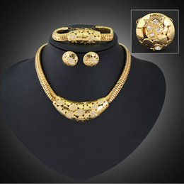 Wholesale Chunky Earrings Wholesale - Jewelry Set Chunky Necklace and Bangle Sets Designer Vintage African Costume Women Wedding Accessories Gold Plated jewellery -J378