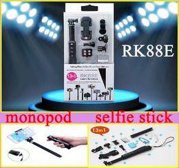 Selfie smartphones online-13in1 Bluetooth Selfie kits RK88E Bluetooth Selfie Stick RK 88E Bluetooth Einbeinstativ mit Smartphones LED Flash Weitwinkelobjektiv für Mobiltelefon