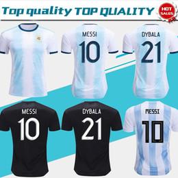 Balones de tamaño online-2019 camisetas de fútbol de Argentina Camiseta de fútbol de Argentina 2018 # 10 MESSI # 9 AGUERO # 21 DYBALA # 22 LAUTARO uniforme de fútbol de distancia tamaño S-3XL