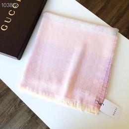 2019 sciarpe di seta arcobaleno Sciarpa arcobaleno jacquard jacquard di alta qualità in cotone di seta tinta unita di alta qualità firmata di lusso 6 colori senza scatola G5098 sconti sciarpe di seta arcobaleno