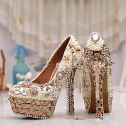 bolso de los zapatos de la boda del rhinestone del oro Rebajas Lujoso Bling Bling Floral de tacón alto a prueba de agua plataforma zapatos de boda perla Rhinestone cristalino de alta calidad para mujer banquete zapato de baile