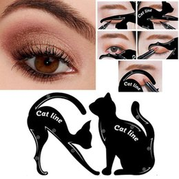 modelli di eyeliner Sconti Cat Line Eye Makeup Tool Eyeliner Stencil Template Shaper Model Principianti Efficient Eyeline Card Tools 1pair RRA991