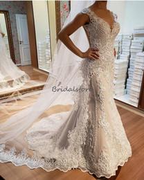 robe de cordon Promotion Robes de mariage de champagne lumière magnifique sirène chérie perle pays robes de mariée balayent train 3D-Floral Applique robe de mariage dos nu