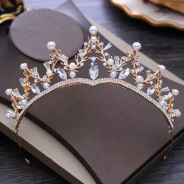 Tipos coroas de tiaras on-line-Venda quente Castelo Real Coroas de Casamento Romântico Rinestones Chique Triângulos Tiaras de Casamento Online Clássica Tipo de Casamento Nupcial Cabeça de Corte