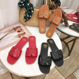 Sapatos 34 on-line-2019 Nova Marca Tory Sandálias Das Mulheres tamanho grande 35-42 Sapatos de grife de Luxo Deslizamento Moda Verão Largo Escorregadio Plana Sandálias Chinelo chinelos