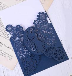 Convites para festa on-line-Weddingin wedding cardsinvitations Cartões de casamento de padrão de noiva e noivo cartões de papel de corte a laser