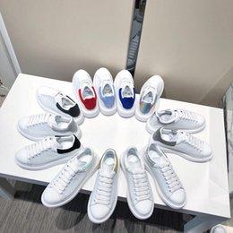 Sapatas de lona da lona dos homens on-line-2019 Mens Designer de luxo Sapatilhas Skate Casual Shoes Pôquer Graffiti lona Skate Tennis Sneakers Chaussures Tamanho 38-45 xrx19090916