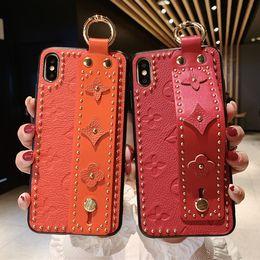 2019 caso glitter lg Rivet Wristband Staffa Iphone 11Pro Max casse del telefono per Iphone Xsmax 6 / 6S / 6p / 6SP / 7/8 / 7p / 8p / x / xs / xr Shell