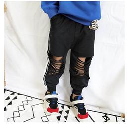 37c24c485 2019 primavera verão bebê roupas crianças calça casual buraco crianças  calças meninos calças esporte meninas calças calças crianças roupas de  grife a2947