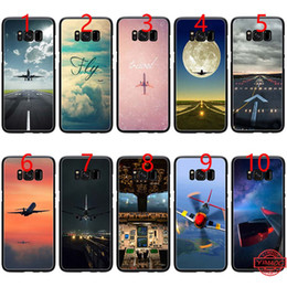 Casi di telefonini mosca online-l'aeroplano che vola nel tramonto Soft Black TPU Phone Case per Samsung Note 9 8 S8 S9 Plus S6 S7 Edge Cover