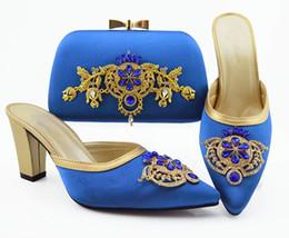 b robes sac à main Promotion Les femmes bleues de haute qualité habillent des chaussures assorties de sac à main avec des pompes africaines de décoration en strass et en métal et un sac QSL009, talon 9CM