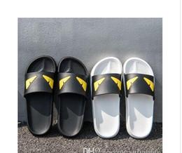 Homens chinelos praia casual on-line-Chinelos de olho do diabo Deslizamento Praia Designer Chinelos Pursuit Sandálias De Cetim Das Mulheres Dos Homens Da Marca de Luxo Sapatos Moda Casual Chinelos Chinelo