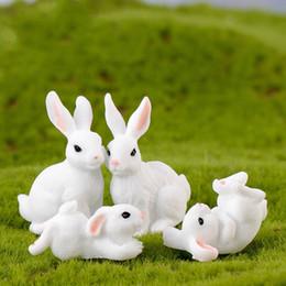 White Rabbit Family Easter Bunny Doll Ornamento giocattolo Miniature Animali Accessorio Fata Decorazione del giardino Muschio Micro Paesaggio Materiale DIY da