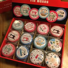 caja de la joyería de la lata Rebajas ¡Envío libre! 36pcs / lot diseño de la máquina de coser Mini lata alrededor del almacenamiento Caja de costura Misceláneas Caja de la joyería o kit
