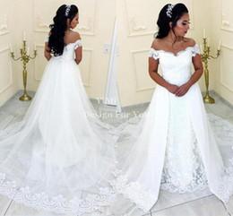 2019 robes de mariée blanches sirène en dentelle avec jupe dégagée épaule balayage train appliques chapelle pays jardin arabe robes de mariée ? partir de fabricateur