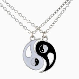 Collar de los amantes del yin yang online-Encanto Pareja Amantes Collar de Suspensión Caliente Yin Yang Collar Colgante Cadena Mujeres Hombres Joyería Tai Chi Chismes San Valentín