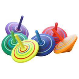 Tapa de giro de madera al por mayor online-Venta al por mayor de madera Beyblade 4.5 cm Niños de madera de ocio Mano Spinne Juguetes Fidget Spinner para niños Spinning clásico