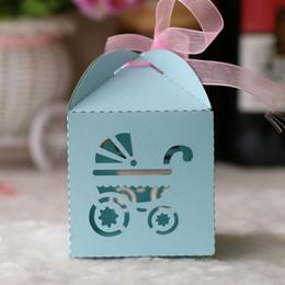 caixa de lembrança do bebê Desconto Custom Babys carrinho de bebê baby showerLaser Cut pearl caixas de presente de chocolate doce nupcial caixa de aniversário com fitas castelo lembranças de casamento