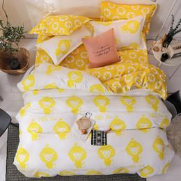 2019 edredons de impressão amarela Macaco amarelo Dos Desenhos Animados macio consolador conjuntos de cama roupa de cama Fronha Impresso Poliéster Capa de Edredão Set Completa Rainha King SizeSj121 edredons de impressão amarela barato