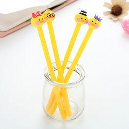 Forniture per ufficio d'anatra online-Cute Yellow gel penne 0.5mm black child Writing Pen Office Eexamination Limited Materiale per ufficio Materiale scolastico all'ingrosso E-PACKET gratuito