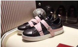 2019 buone marche di scarpe da abbigliamento 2018 nuovo nome di marca superstar moda uomo scarpe casual fatti a mano di buona qualità low cut rivetti neri borchie donne appartamenti scarpe da sera yl18169 buone marche di scarpe da abbigliamento economici