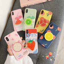 cajas de teléfono de frutas Rebajas Funda de TPU suave para iPhone 11 Pro XS Max Samsung Funda de patrón de fruta linda con soporte para teléfono Kickstand Protector de fresa y limón