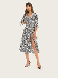 Vestidos de cebra de mujeres sexy online-Agregar vestido de mujer con rayas de cebra dividida con cuello en v Estilos de vestido largo Vestido de rayas sexy de cintura media larga