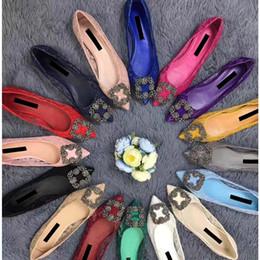 Mocasines de encaje de strass online-Marca de cuero de vaca mujeres del diseño de 1,5 cm de tacón bajo las bombas de la oficina de señora vestido de la moda de zapatos de boda Rhinestone del cordón de los holgazanes de Pisos solo zapato, 35-41