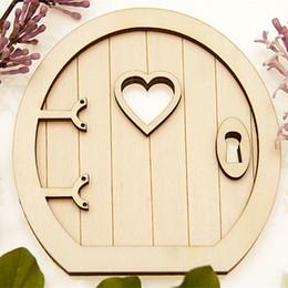 2019 abbellimenti artigianali in legno 6pcs 3d Fairy Garden in legno porta artigianato abbellimenti decorazione fai da te pittura decorazione bambini regalo di compleanno sconti abbellimenti artigianali in legno