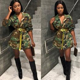 2019 bottone militare in su 2019 Moda Donna Allentato Camouflage Coat Turn-Down Collar Tasca Manica Lunga Button Up Casual Army Green Giacca Outwear Militare Q045 bottone militare in su economici